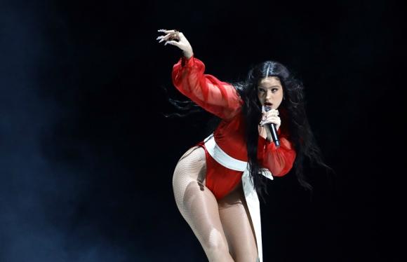 Rosalía en los Latin Grammy. Foto: AFP