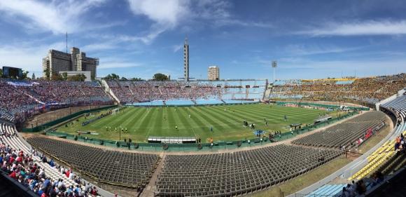 El Estadio Centenario a una hora de inicio del clásico