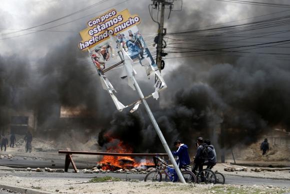 Barricada en Bolivia. Foto: Reuters