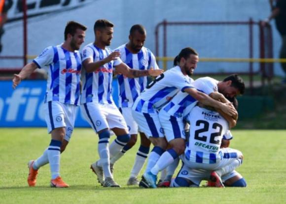 Festejo del gol de Hugo Dorrego. Progreso vs Cerro Largo, Clausura 2019. Foto: Gerardo Pérez.