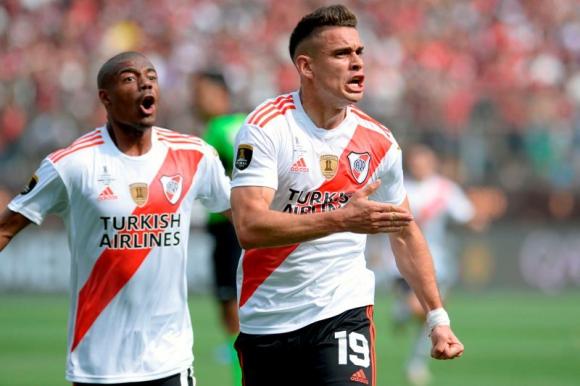 El festejo de Rafael Santos Borré en el duelo entre River Plate y Flamengo. Foto: AFP