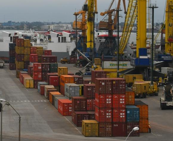 Playa de contenedores en el puerto de Montevideo. Foto: Archivo El País