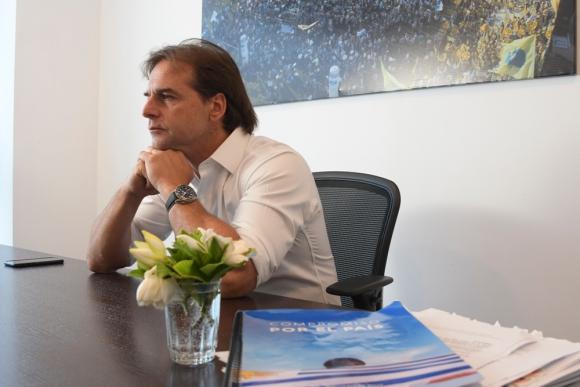 Luis Lacalle Pou en entrevista exclusiva con El País. Foto: Leonardo Mainé.