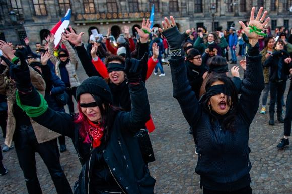 Las Tesis en Chile. Foto: AFP