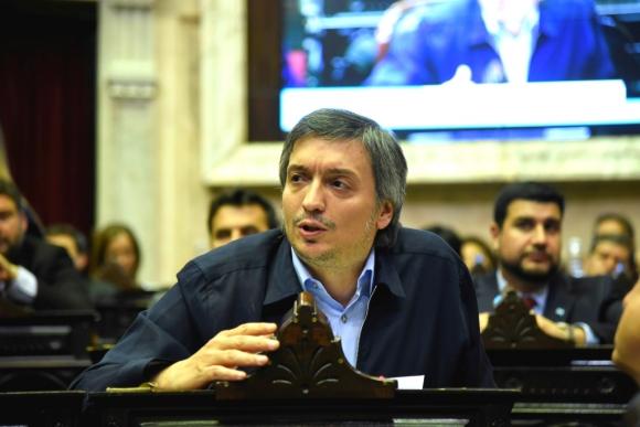 Máximo, el hijo de los Kirchner, al jurar como diputado ayer. Foto: Archivo
