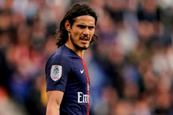 Edinson Cavani con la camiseta de Paris Saint Germain. Foto: AFP