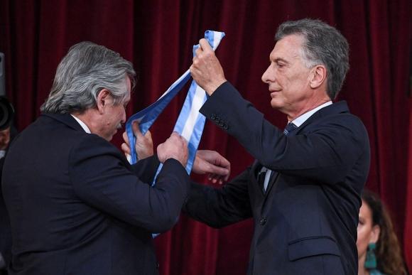 Alberto Fernández y Mauricio Macri. Foto: AFP.
