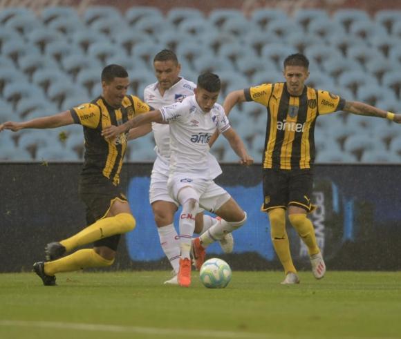 Clásico Clausura Nacional vs. Peñarol