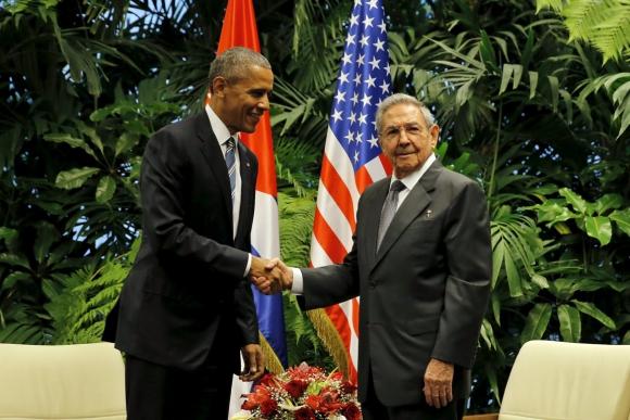 Barack Obama y Raúl Castro. Foto: Reuters.