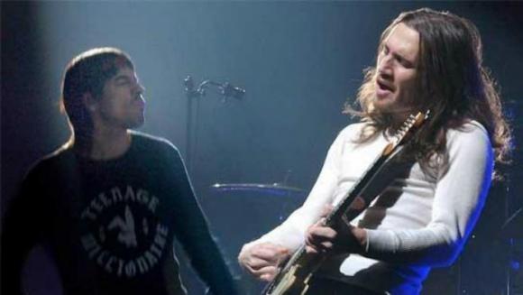 John Frusciante junto a Red Hot Chili Peppers. Foto: Difusión.