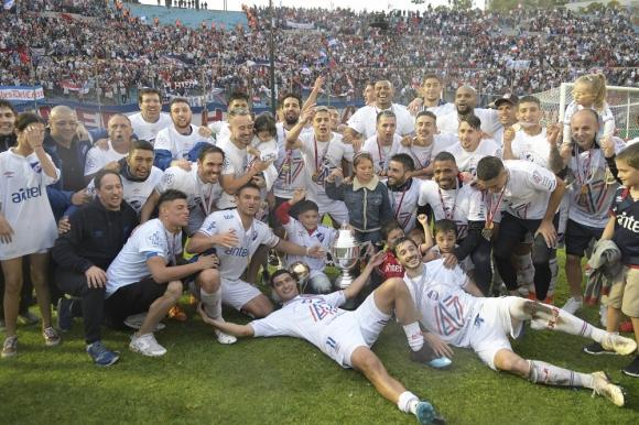 Nacional campeón uruguayo festejos - Clásico Clausura Nacional vs. Peñarol