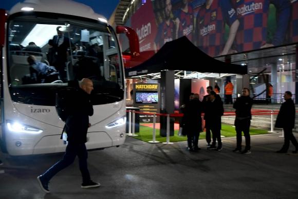 Real Madrid llegando al Camp Nou
