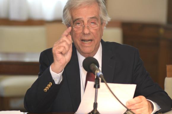 El presidente Tabaré Vázquez presentó una polémica propuesta por remedios de alto precio. Foto: Leonardo Mainé