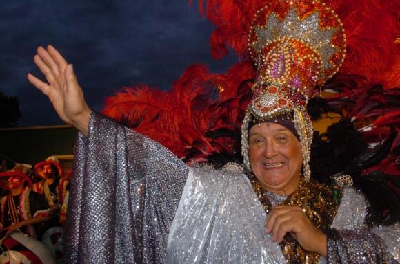 """Julio """"Kanela"""" Sosa en el carnaval. Foto: Archivo El País"""