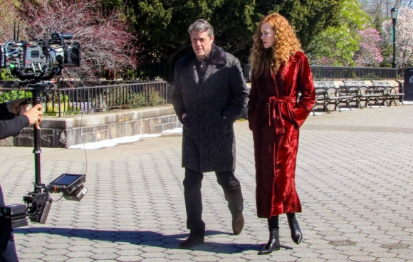 """Hugh Grant y Nicole Kidman en el rodaje de """"The Undoing"""". Foto: AFP"""