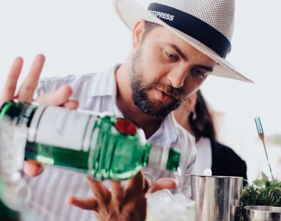 Ramiro Ferreri preparó el trago #Amexlife drink.