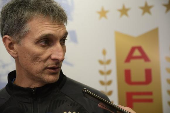 Gustavo Ferreyra en conferencia de prensa tras el último entrenamiento de la sub 23. Foto: Gerardo Pérez.