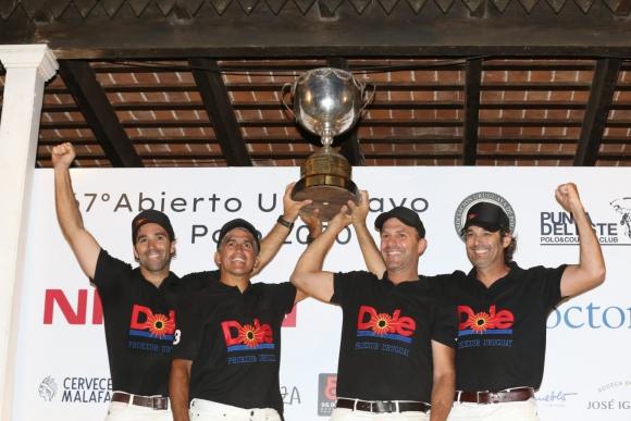 Salto Dole campeón del Abierto Uruguayo de Polo en Punta del Este.