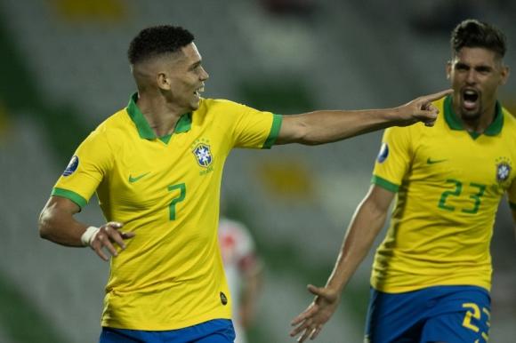 El festejo de Paulinho, en el triunfo de la sub 23 de Brasil ante Perú. Foto: @CBF_Futebol.