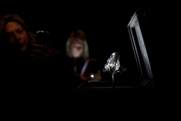 Louis Vuitton adquirió el segundo diamante más grande del mundo llamado Sewelo. Foto: Reuters.