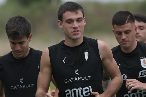 Manuel Ugarte en el entrenamiento con la selección Sub 23. Foto: Gerardo Pérez.