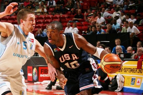 Kobe Bryant marcado por Emilio Taboada en 2007
