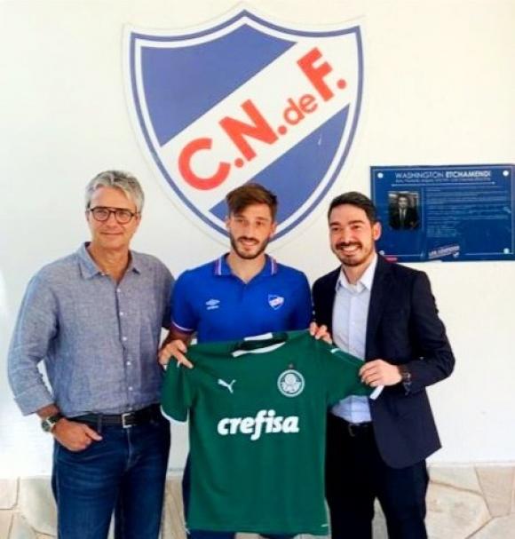 Matías Viña se va de Nacional y llega a Palmeiras