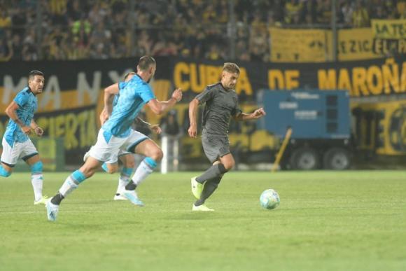 Luis Acevedo en el amistoso entre Peñarol y Belgrano de Córdoba. Foto: Marcelo Bonjour.