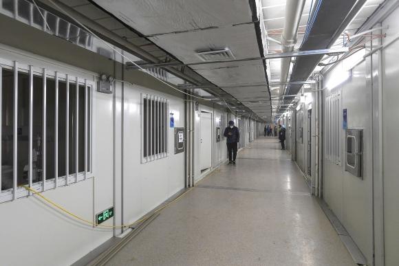 El hospital Huoshenshan fue construido para aliviar el colapso de los médicos por pacientes con coronavirus. Foto: AFP