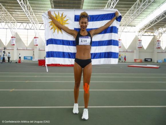 Lorena Aires. Foto: @AtletismoCAU.