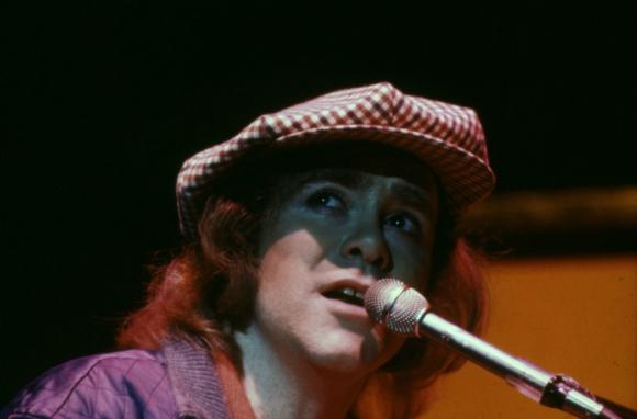 Elton John en 1979. Foto: Archivo