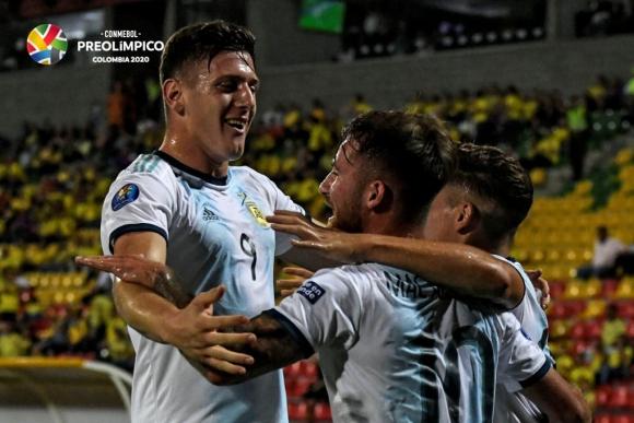 Argentina se impuso a Uruguay 3-2