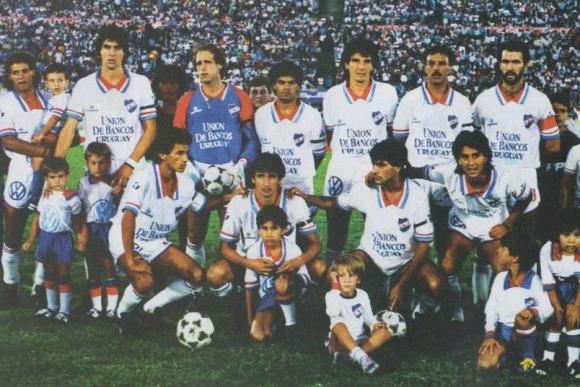 Nacional campeón de la Recopa 1989