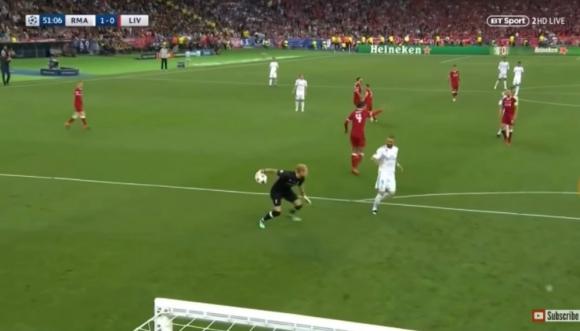 Loris Karius y su error ante Karim Benzema