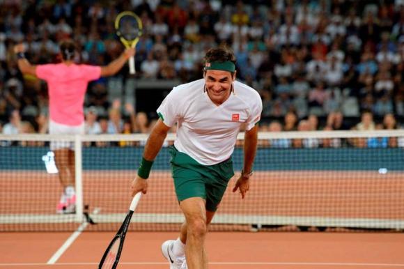 Roger Federer celebra uno de los puntos conseguidos ante Rafael Nadal. Foto: AFP