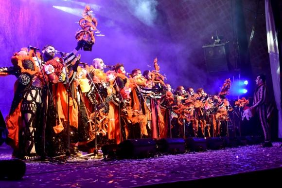 Agarrate Catalina sobre el Escenario del Teatro de Verano. Foto. José Arisi -  Carnaval en Fotos