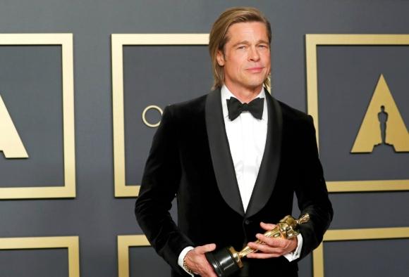 """Brad Pitt ganó el Oscar como mejor actor de reparto por """"Había una vez en... Hollywood"""""""