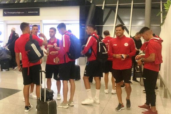 River Plate en el aeropuerto rumbo a Lima