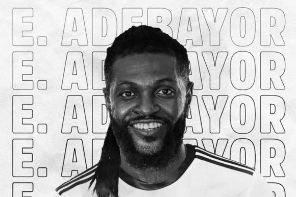 Emmanuel Adebayor es jugador de Olimpia de Paraguay