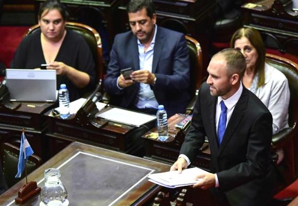 El ministro de Economía argentino ayer miércoles en la Cámara de Diputados. Foto: AFP