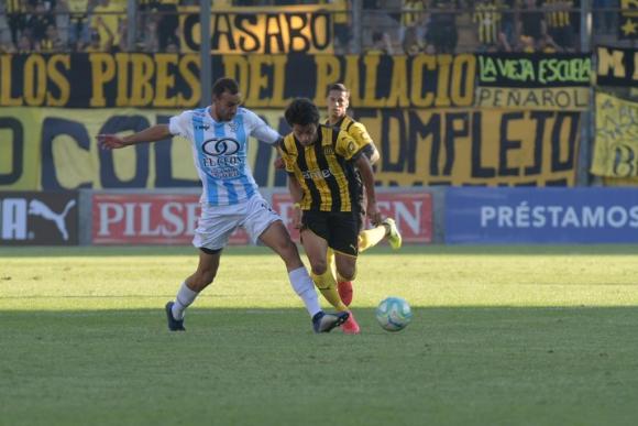 Facundo Pellistri en el partido frente a Cerro. Foto: Marcelo Bonjour.