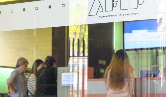 Cumpliendo con ciertas formalidades, la AFIP argentina puede solicitar información fiscal a la DGI por acuerdo vigente. Foto: La Nación (GDA)