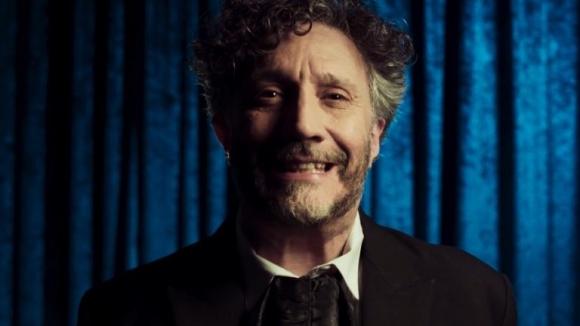 """Fito Páez en el video de """"Resucitar"""", su nueva canción. Foto: Captura de YouTube."""