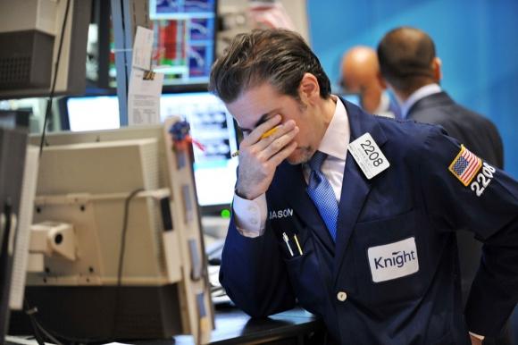 Efectos: mientras las bolsas y el petróleo tuvo afectación, el oro y los bonos sirvieron de refugio. Foto: AFP