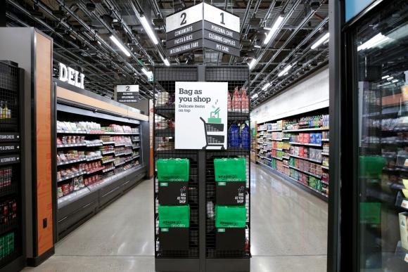 """""""Amazon Go Grocery"""" es una tienda sin cajero de Amazon. Foto: Reuters."""