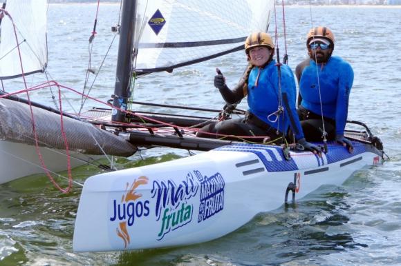 Pablo Defazio y Dominique Knüppel en el Nacra 17 de Vela para los Juegos Olímpicos de Tokio 2020.