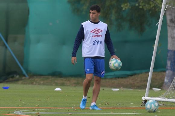 Agustín Oliveros en el entrenamiento de Nacional. Foto: Leonardo Mainé.