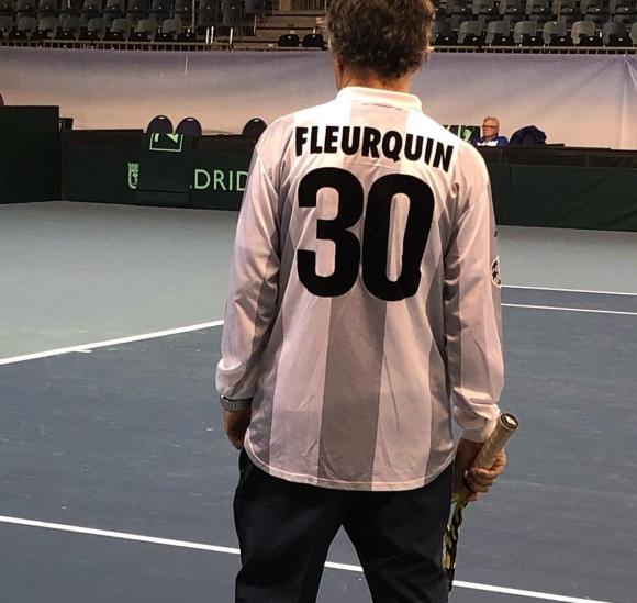 Enrique Pérez Cassarino con la camiseta de Andrés Fleurquin en Graz. Foto: AUT