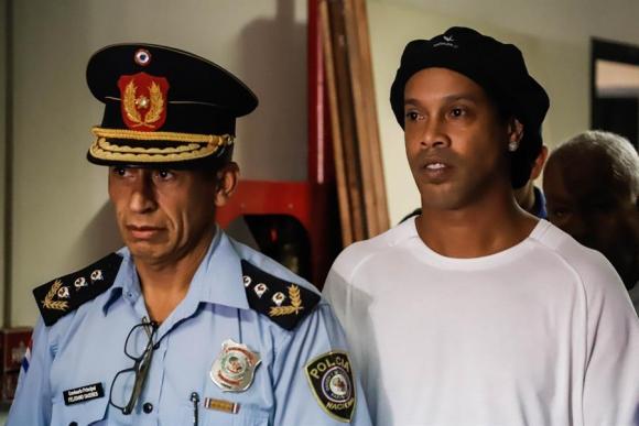 Volvieron a detener a Ronaldinho y su hermano en Paraguay. Foto: EFE