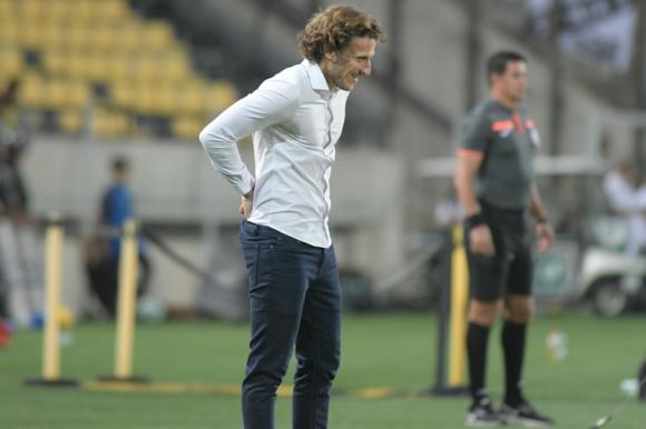 Diego Forlán en el duelo entre Peñarol y Danubio. Foto: Marcelo Bonjour.